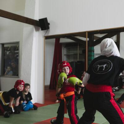 Mädchen Kickboxen