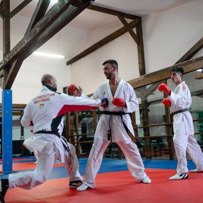 Karate Kumite Erwachsene Faustschlag